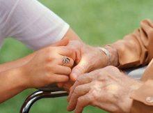 assegno di cura per anziani non autosufficienti